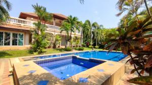 For SaleHousePattaya, Bangsaen, Chonburi : Pool villa sale at Phoenix Golf Club Pattaya Lake view