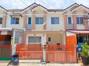 For SaleTownhouseRathburana, Suksawat : Pruksa 56 Soi Suksawat 102, a very new house, comes at a great price of 1.78 million.