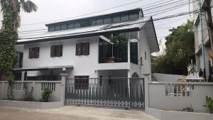 For RentHouseLadprao 48, Chokchai 4, Ladprao 71 : House for rent, Ladprao & Chokchai 4, area 200 sq m, suitable for home office.