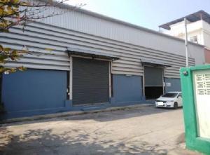 For RentWarehouseSamrong, Samut Prakan : For Rent Warehouse with office space 240 square meters, Soi Thetsaban Bang Pu 89, very good location, next to Lotus Bang Pu.