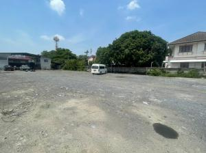 For RentLandVipawadee, Don Mueang, Lak Si : For rent cheap ❗ Land 2 rai 💥 Location near Don Mueang Airport (150 meters away from Vibhavadi Rangsit Road) Land with office buildings and staff houses Suitable for investment in offices, garages, warehouses, etc.