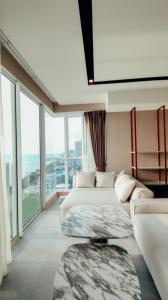 For SaleCondoPattaya, Bangsaen, Chonburi : penthouse for sale at Cetus beachfront condo pattaya