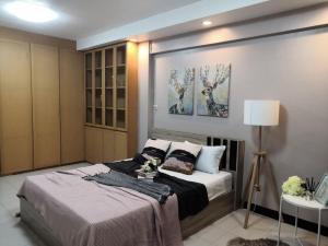 For SaleCondoRatchadapisek, Huaikwang, Suttisan : Ratchada City Condo for sale studio unit 29 sqm. selling at 1.19 mil baht