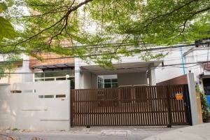 ขายบ้านสุขุมวิท อโศก ทองหล่อ : ขาย / ให้เช่า บ้านเดี่ยว ใจกลางย่านสุขุมวิท 3ห้องนอน ขนาด 50ตร.ว