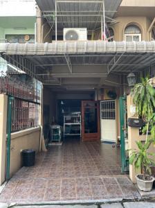For SaleTownhouseRathburana, Suksawat : 2 storey townhouse for sale, 25 square meters in Rat Burana area.