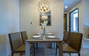 For SaleCondoSukhumvit, Asoke, Thonglor : For sale Asthon Asoke 2 bedroom Price 17 Mb. Free transfer ❗️