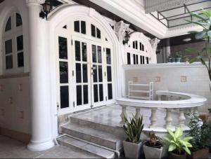 For RentHome OfficeSukhumvit, Asoke, Thonglor : Rent Townhome Soi Ekkamai 26 & 28 (Townhome for rent at Ekkamai 26 & 28)