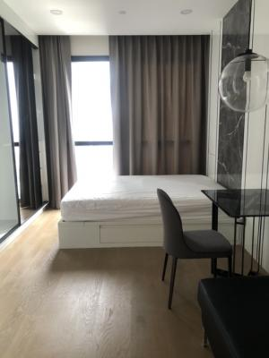 For RentCondoSiam Paragon ,Chulalongkorn,Samyan : Rent AShton Chula - Silom, size 26 sqm., Price 18,000 baht, ready to move in, fully furnished, watch the room, call 080-5648542