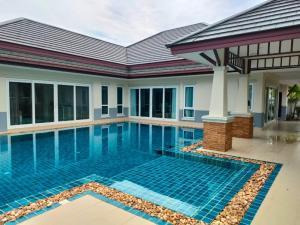 For SaleHousePattaya, Bangsaen, Chonburi : House for sale, Dusit Pattaya project, with swimming pool