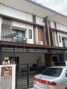 For RentHouseRangsit, Patumtani : 2568 Rent House Fah Piyarom Niwa Phase 14 Lam Luk Ka Klong 6, very new house ready to move in.