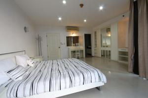 For RentCondoSukhumvit, Asoke, Thonglor : For rent at Las Colinas 2 Bedroom 2 Bathroom 65,000THB/month Fully furnished Code P-00659