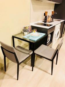 For RentCondoNana, North Nana,Sukhumvit13, Soi Nana : Condo for rent, Venio Sukhumvit 10, size 1 bedroom, 34 sq m. Condo near Bts Nana and Bts Asoke.