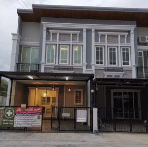 For RentHome OfficeBangna, Lasalle, Bearing : Rent townhome, English style, 4 bedrooms, near Mega Bangna (residential And can make a home office)