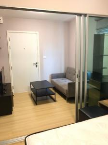 For RentCondoChengwatana, Muangthong : For rent .. furniture + complete electrical appliances Room ready You can drag the luggage in.