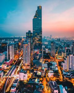 เช่าคอนโดสาทร นราธิวาส : The Ritz-Carlton Residences - Bangkok's ultimate class living experience