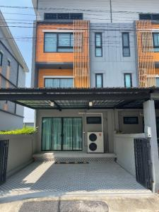 For RentHouseBangna, Lasalle, Bearing : House for rent, 3-storey townhome, Eco Space, Bangna - Ring Road, near Mega 3 bedrooms, 27,000 baht / month.