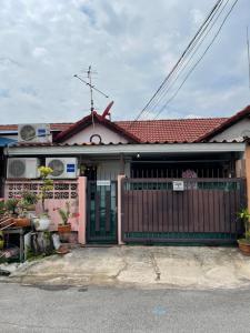 For SaleTownhouseKaset Nawamin,Ladplakao : Single storey townhouse for sale, Nawamin 74, popular morning sales.