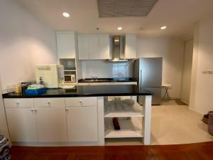For RentCondoSathorn, Narathiwat : Chatrium Condo Riverside 75,000 THB / river view riverside condo3bed 3bath 185 sq.m. Luxury condo ready to move in. Along the Chao Phraya River With excellent facilities 3 bedrooms, 3 bathrooms, 185 sq.m., Floor 21st, Rent 75,000 THB / month