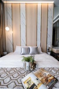 For RentCondoSukhumvit, Asoke, Thonglor : The Esse Sukhumvit 36 / high floor / 😍 a classy room, super beautiful ✨🔥💥💯
