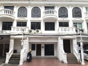 For RentHome OfficeSukhumvit, Asoke, Thonglor : Home office for rent, Soi Sukhumvit 49, Leo Classic Place Village, near BTS Phrom Phong