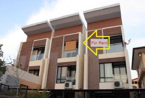 For RentTownhouseAri,Anusaowaree : For Rent 3-storey townhome for rent, in the heart of the city, Soi Ari Samphan, Phaholyothin, near BTS Ari, very good location, 4 parking spaces, 4 air conditioners, suitable for corporate registration office.
