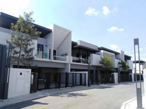 For RentHouseBangna, Lasalle, Bearing : Single house for rent, luxury project, VIVE Bangna, VIVE Bangna, Modern Minimal style in Soi Ratchawinit, Bang Kaeo, near Mega Bangna, BTS Bangna Station, Central Bangna, Bang Phli, Samut Prakan