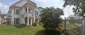 For SaleHouseRamkhamhaeng,Min Buri, Romklao : Single house on the waterfront, Thararom, Ramkhamhaeng 150, located on the train, area 93 sq m, 3 bedrooms, 4 bathrooms, 3 cars parking.