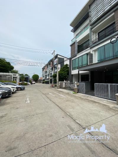 For SaleHome OfficeSamrong, Samut Prakan : Home office for sale in Enterprise Park, Bangna-Trad Road Km. 5, Bang Kaeo Subdistrict, Bang Phli District, Samut Prakan.