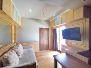 For SaleCondoRatchathewi,Phayathai : Condo for sale Noble Revent Phayathai, 1 bedroom, size 40 sq m, corner room, near BTS Phaya Thai