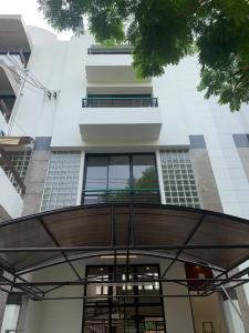 For RentTownhouseOnnut, Udomsuk : LBH0095 Townhouse for rent, 4 floors, renovated, Sukhumvit 71.
