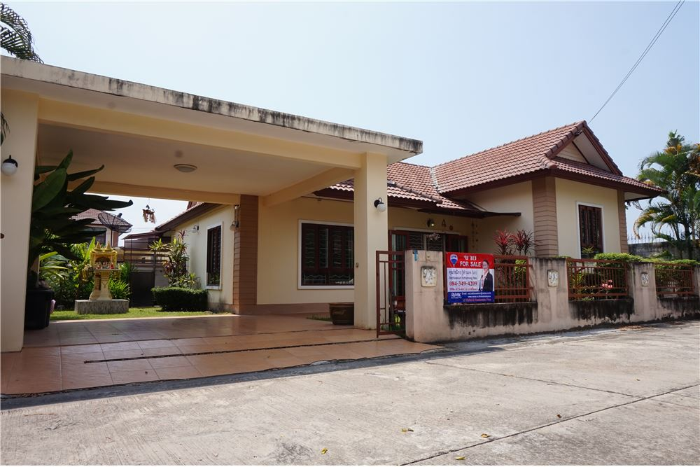 For SaleHouseRayong : Single house for Sale in Rayong city near Leamthong Passion Department Store