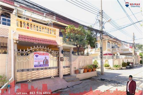 For SaleTownhouseThaphra, Wutthakat : ขายทาวน์โฮม 2 ชั้น ม.อิ่มอัมพร1 รีโนเวทใหม่ใกล้ MR