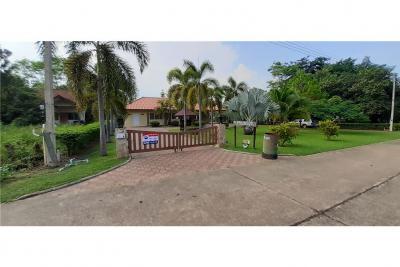For SaleHouseCha-am Phetchaburi : House for sale in Kaeng Krachan Golf course