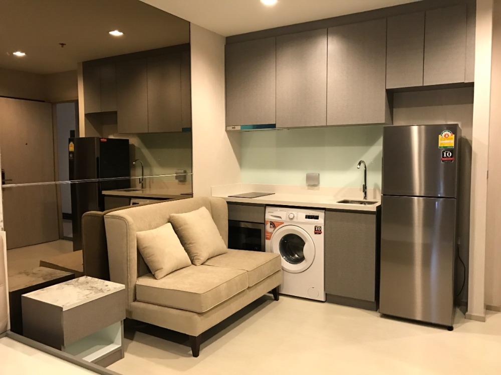 For RentCondoSukhumvit, Asoke, Thonglor : Condo for rent Rhythm Sukhumvit 36 – 38 Price 15,000 Baht Size 24 Sqm.Bedroom Studio Floor 12 View Swimming pool