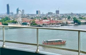 For SaleCondoWongwianyai, Charoennakor : For Sale Watermark Chaopraya River, Stunning Rivet Views, Opposite Asiatique