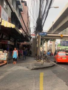 For SaleLandKasetsart, Ratchayothin : Land and buildings for sale near BTS Ratchayothin, Soi Phahon Yothin.