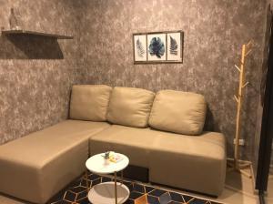 For RentCondoOnnut, Udomsuk : New 1 bedroom near BTS Udomsuk, corner room, pool view.
