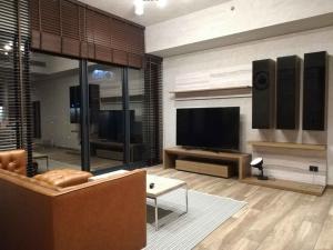 For RentCondoSukhumvit, Asoke, Thonglor : Condo for rent, The Lofts Asoke, size 86 sq m, 2 bedrooms, 2 bathrooms