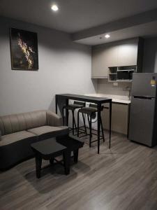 เช่าคอนโดราชเทวี พญาไท : 🔥 ราคาดีมาก ตกแต่งสวย พร้อมเข้าอยู่ ทำเลดี ใกล้ BTS อนุเสาวรีย์ พร้อมจบทุกดิว Ideo Mobi Rangnam 1ห้องนอน 1ห้องน้ำ นัดชมได้ 24 ชั่วโมง Tel.088-111-3060