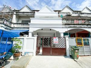 For SaleTownhouseRama 2, Bang Khun Thian : For Sale, Town House 2 Floors, New Condition, Can park 1 car in the house, Small budget @ Rama 2  Soi 44.