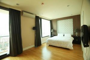 For SaleCondoSukhumvit, Asoke, Thonglor : Condo Aguston Sukhumvit 22 @BTS Phrom Phong, 138.37 sq.m 3 Beds 3 Baths 11th floor, Corner Unit, Fully furnished