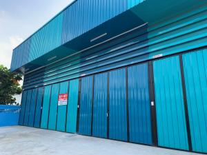 For RentFactoryMahachai Samut Sakhon : For rent micro-factory New factory with office in Bang Nam Fresh district, Samut Sakhon, purple area Close to Ekachai Golf Course, good location