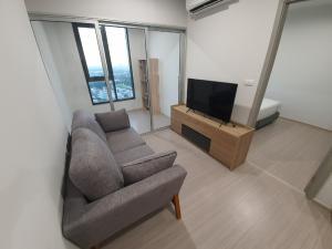 For RentCondoBang kae, Phetkasem : For rent, Parkland Petchkasem 56, beautiful room, good view, 28th floor, building B, 1 mattress, 1 bathroom, 35 sqm.