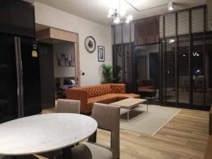 เช่าคอนโดสุขุมวิท อโศก ทองหล่อ : THE LOFT ASOKE 2 ห้องนอน 86 ตรม. เฟอร์ครบ พร้อมอยู่ 65,000 ต่อเดือน
