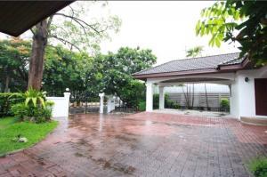 For RentHouseBangna, Lasalle, Bearing : House for rent 💢 Village Lakeside Villa 2 on Bangna-Trad Road Km 7.5, near Lotus Bangna, near Mega Bangna, rental price 150,000 baht / month