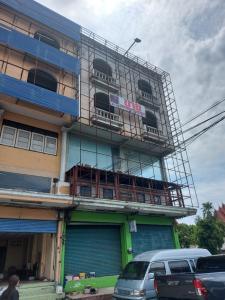 For SaleShophouseRamkhamhaeng,Min Buri, Romklao : K1162 2 booths for sale in commercial buildings on Minburi Road Near Saensuk Temple, 100 square wa. 4 and a half floors