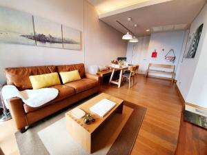 For RentCondoSukhumvit, Asoke, Thonglor : Condo for rent The Lumpini 24 Type 2 bedroom 2 bathroom Size 5.02 sq.m. Floor 15