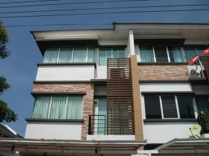 For RentTownhouseRamkhamhaeng, Hua Mak : Sale for rent - 3-storey townhome for sale behind the corner of Krungthep Kreetha (Srinakarin-Romklao). Ramkhamhaeng - Huamark Srinakarin Motorway The way to Suvarnabhumi, near ARIPORT LINK