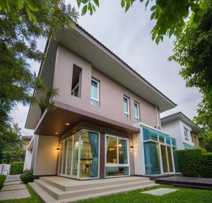For RentHouseBangna, Lasalle, Bearing : 2-storey detached house, Bangna-Trad Km.7, decorated in luxury in modern style.