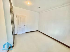 For SaleCondoBangna, Lasalle, Bearing : 🔥 Installment is cheaper than renting 🔥 Condo for sale at Baan Suan Lalana - Suan Luang, 2 bedrooms, area 57.58 sq.m., with an area at the back of the room like a house.